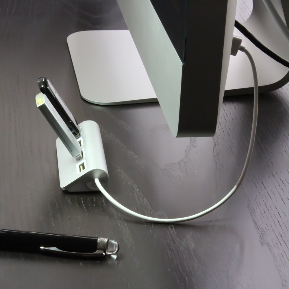 4 Port USB Hub by Satechi   iVIP BlackBox