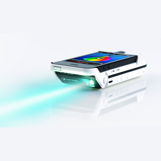 Aiptek moblecinema i55 projector for iphone 5 ivip blackbox for Iphone 5 projector