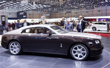 Rolls Royce Wraith Side | iVIP BlackBox