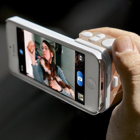 Snapgrip Camera for iPhone 5 | iVIP BlackBox